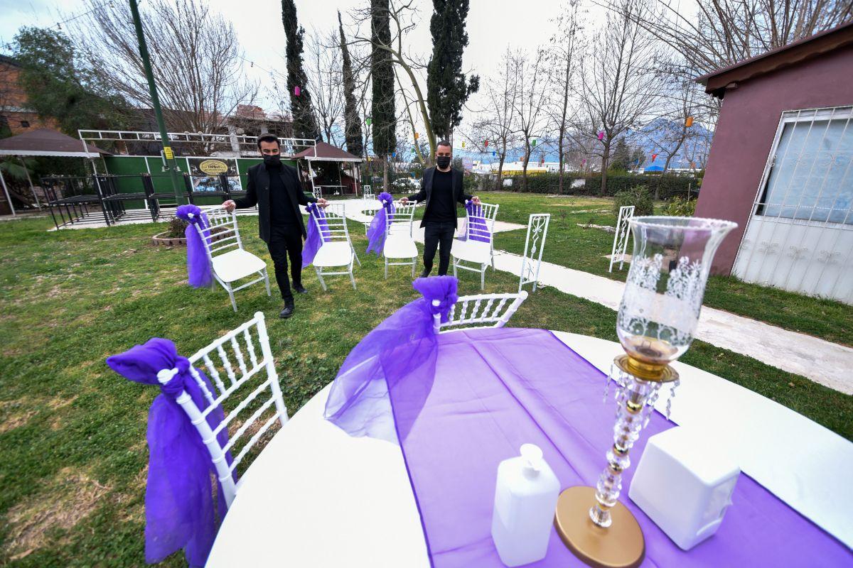 Bir saati yetersiz bulan çiftler, düğünü erteliyor #5
