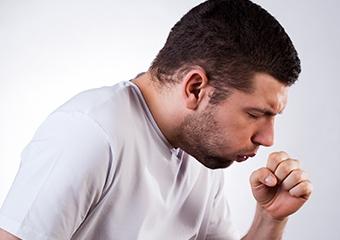 Kuru öksürük akciğer sertleşmesinin belirtisi olabilir