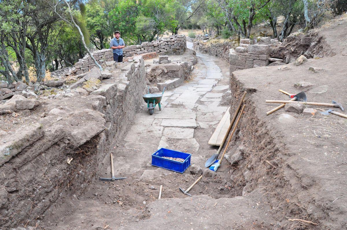 Manisa da 2 bin yıllık Roma Yolu bulundu #7